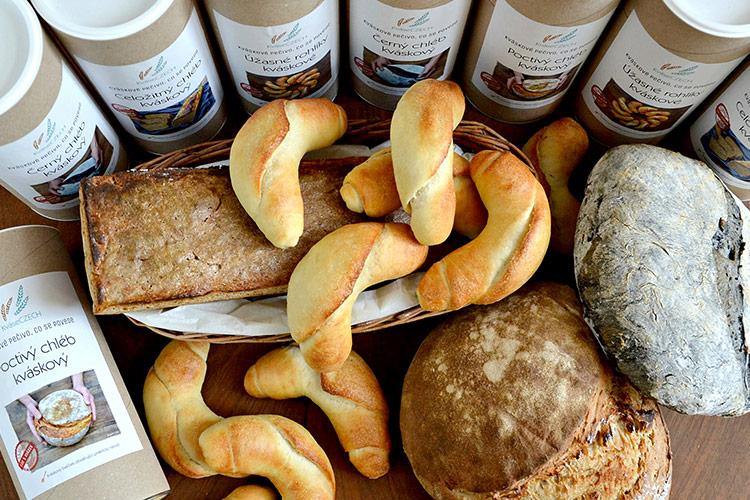 Nechcete jít do obchodu? Upečte si vlastní chleba podle KváseCZECH